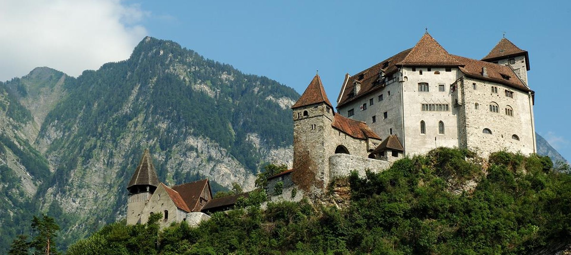 The manificent Gutenberg Castle in Balzers, Liechtenstein(dreamstime.com)