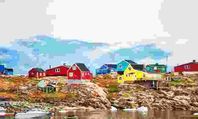 Colourful houses of Saqqaq (Dreamstime)