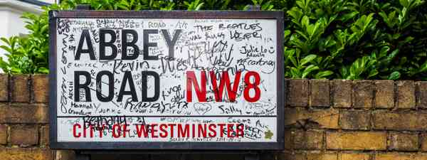 Abbey Road sign (Dreamstime)