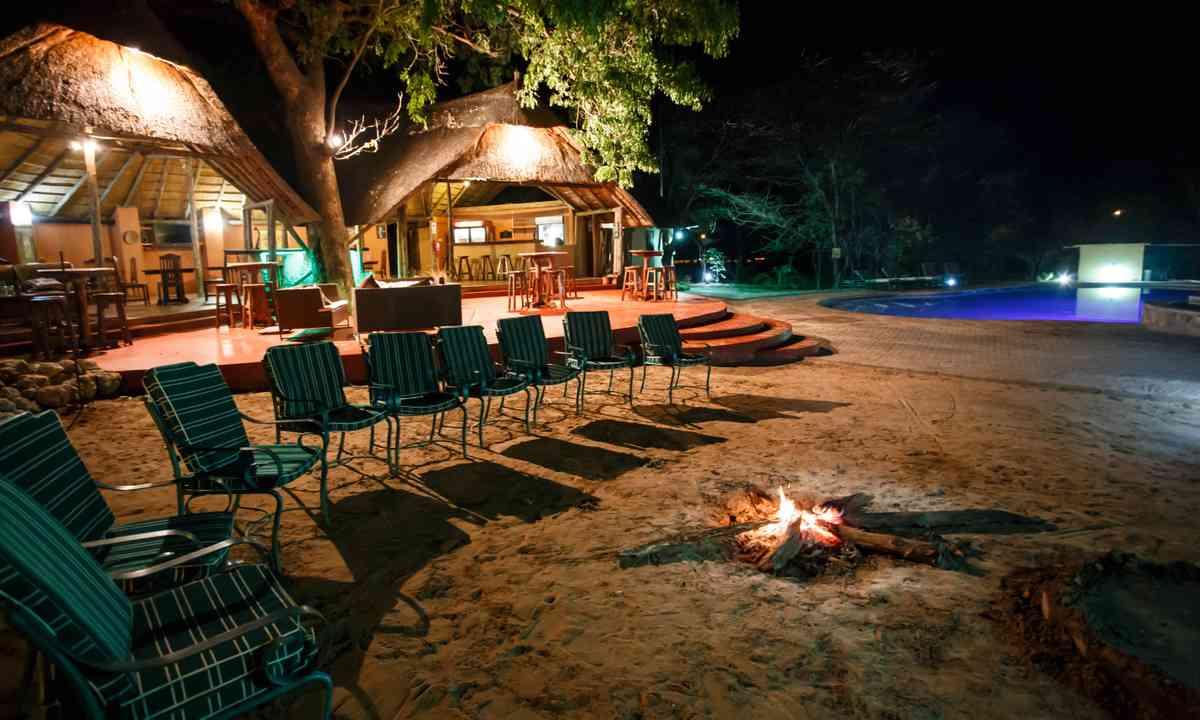 Luxury camp in Chobe National Park (Shutterstock.com)