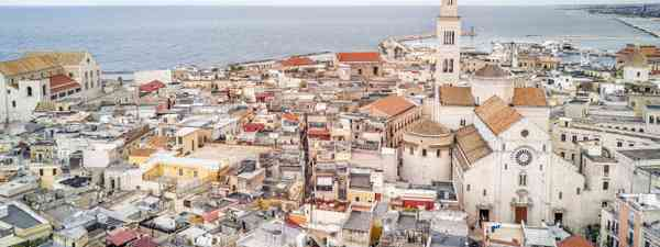 Panoramic view of old town in Bari (Shutterstock)