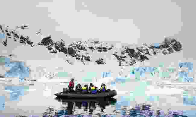 Learn the difference between icebergs, bergy bits and growlers (Aurora Expeditions)