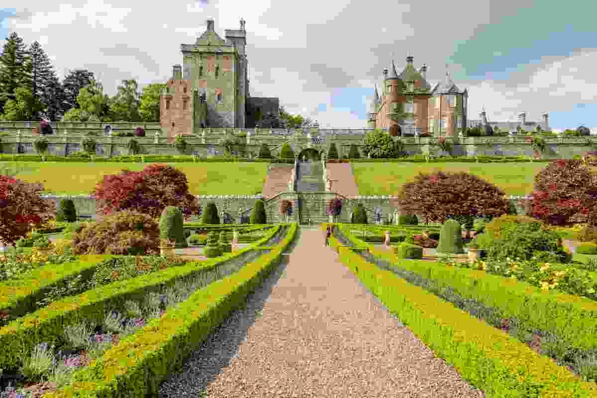 Drummond Castle's stunning gardens (Shutterstock)