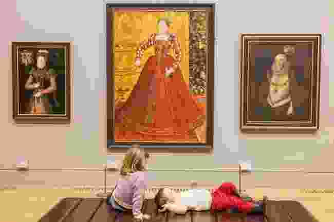 Tate Britain, young visitors (Steve Vidler)