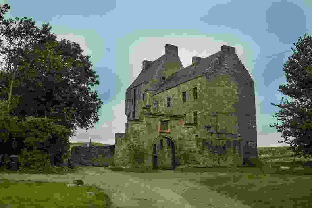 Midhope Castle (Shutterstock)
