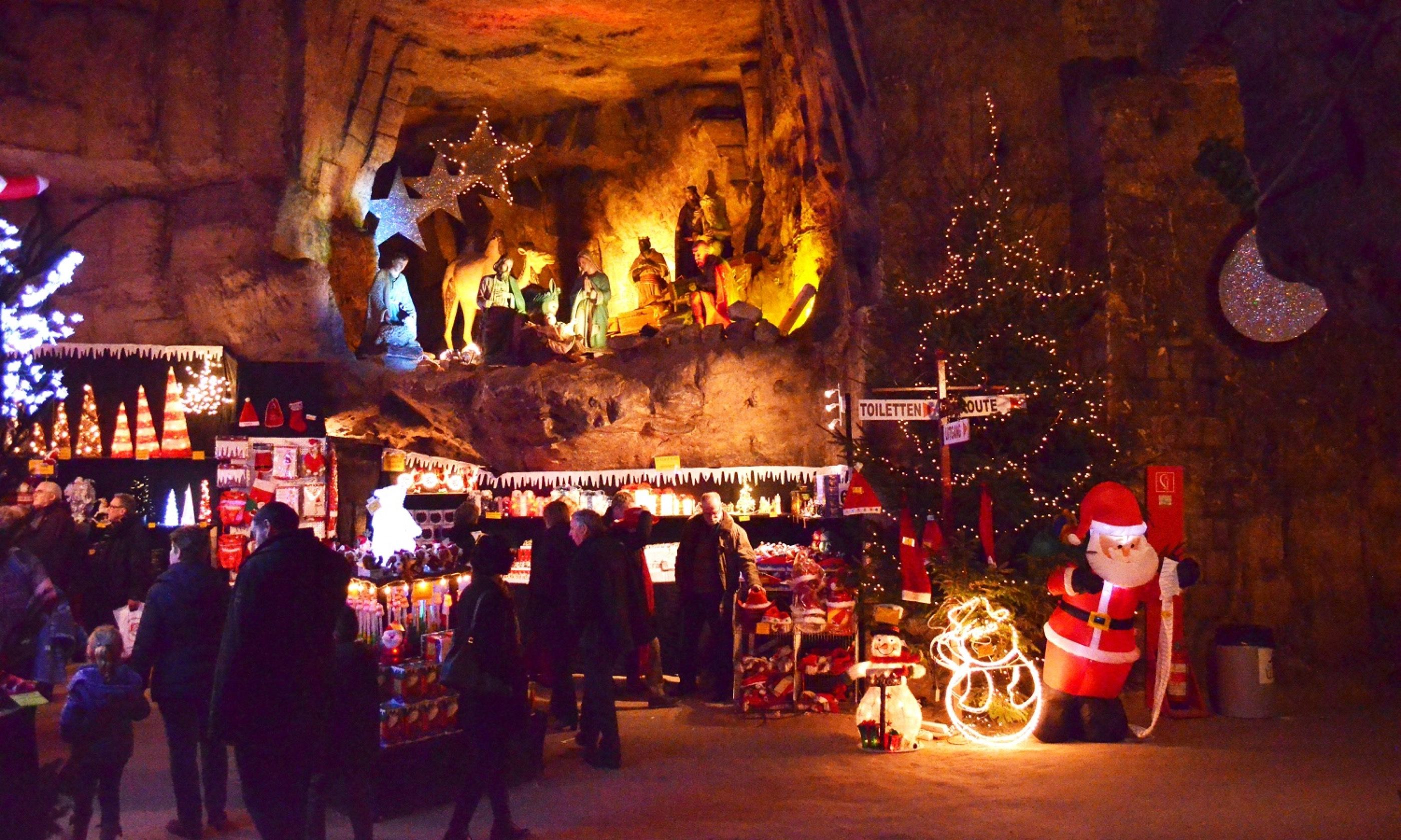 A Christmas market in a cave (Gemeentegrot market)