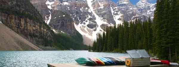 Canoes in Lake Moraine (Dreamstime)