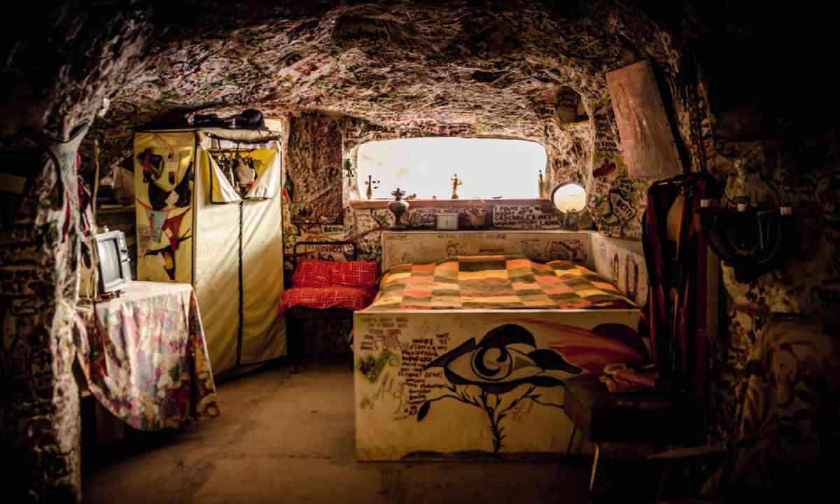 Crocodile Harry's Underground Nest, Coober Pedy (SATC)