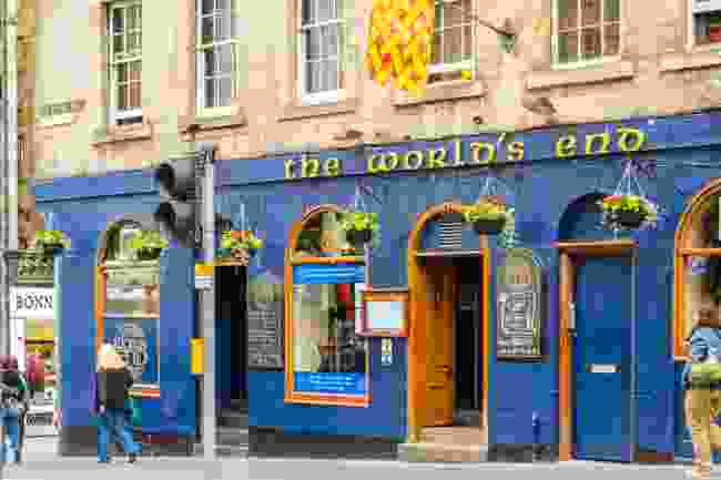 World's End Pub (Shutterstock)