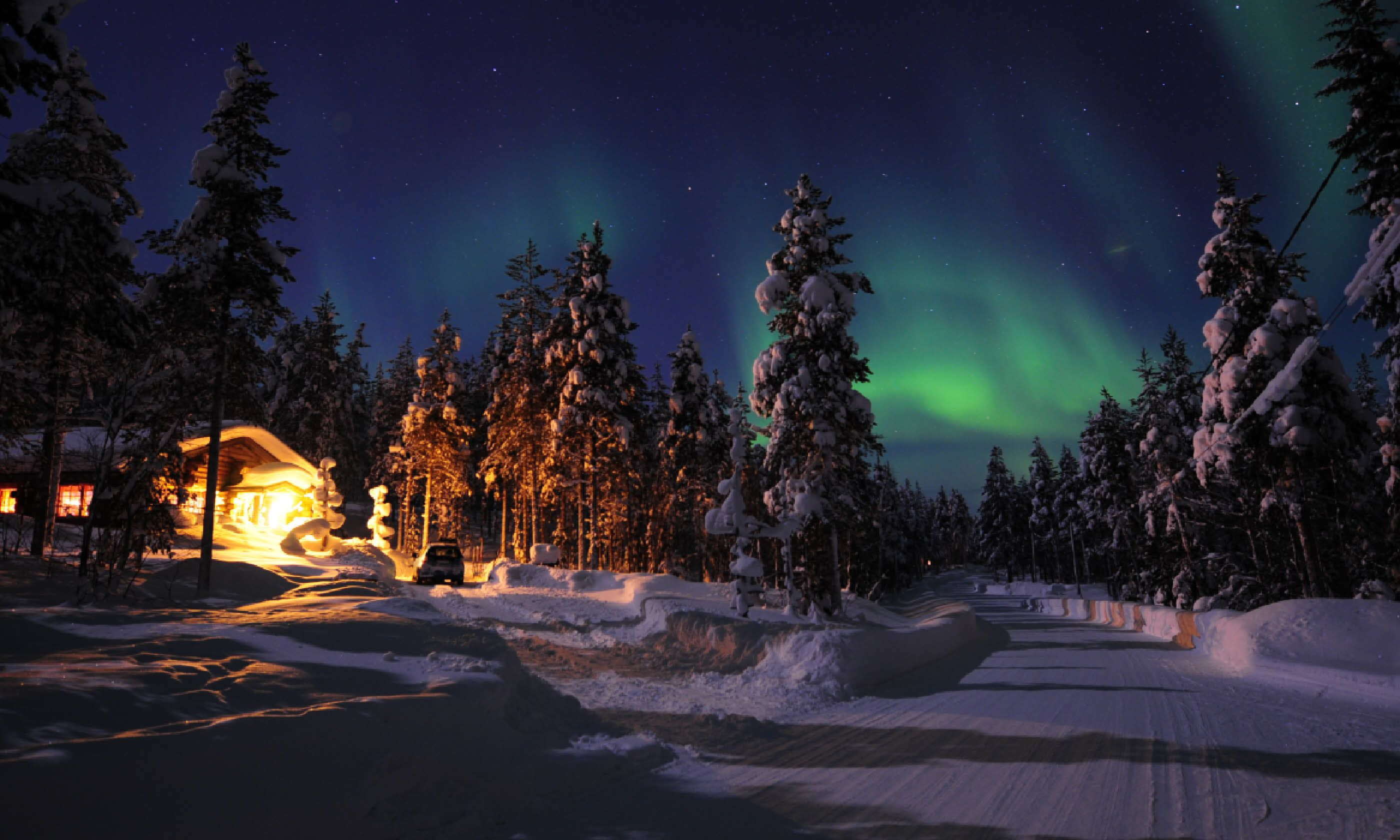 Northern Lights in Finnish Lapland (Shutterstock)