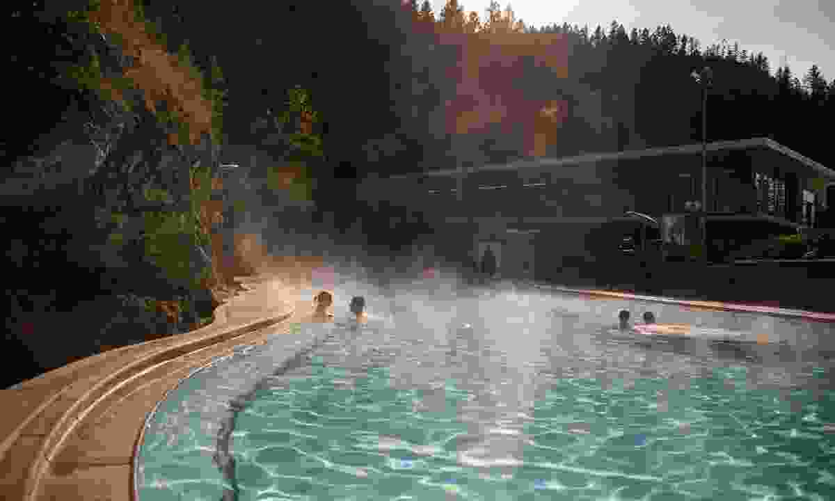 Radium Hot Springs (Destination BC/Kari Medig)