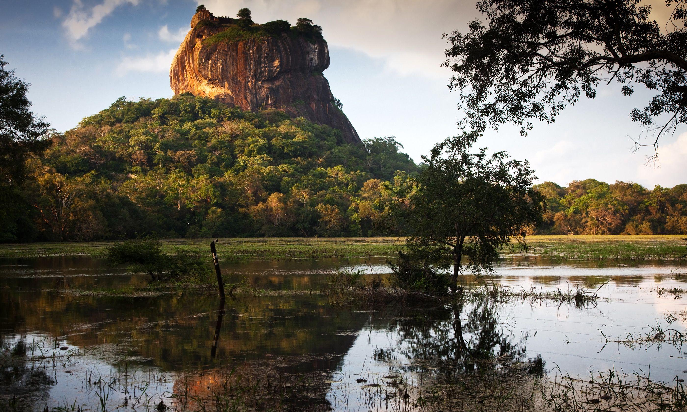 Lion Rock Fortress, Sigiriya (Shutterstock.com)