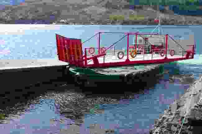 Glenelg-Skye Ferry (Shutterstock)