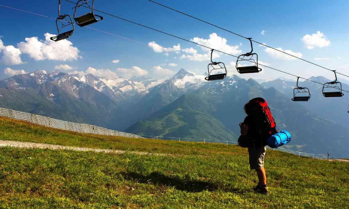 Hiking in Kitzbüheler Alpen (Shutterstock)
