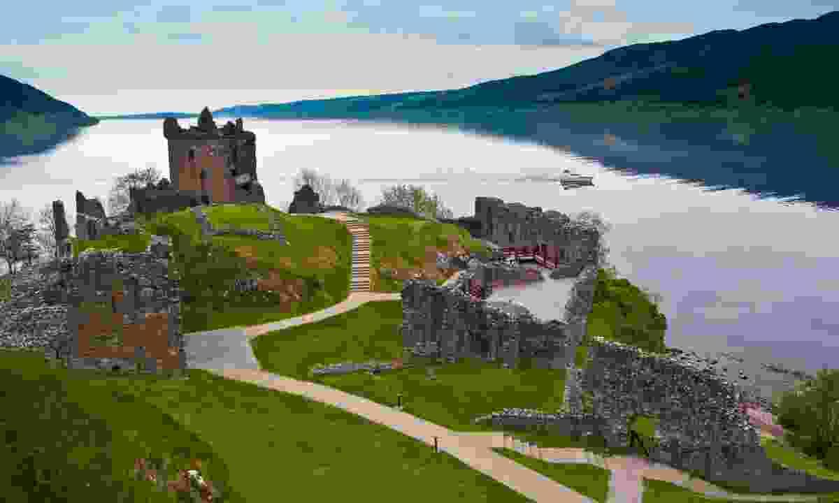 Urquhart Castle overlooking Loch Ness (Shutterstock)