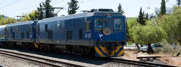 South Africa's luxury Blue Train on the move (Dreamstime)