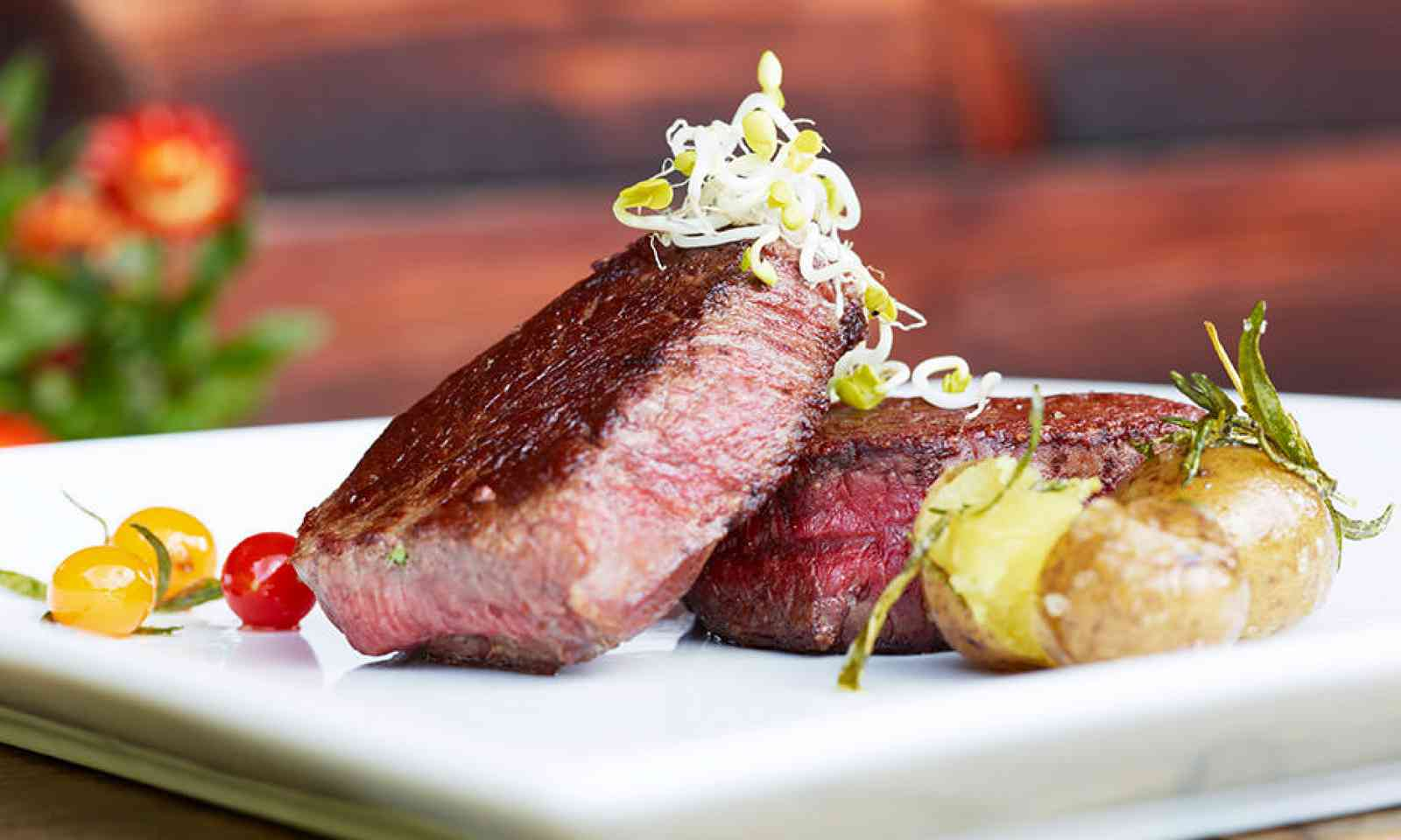 Steak at Steak Alm restaurant (kirchleitn.com)