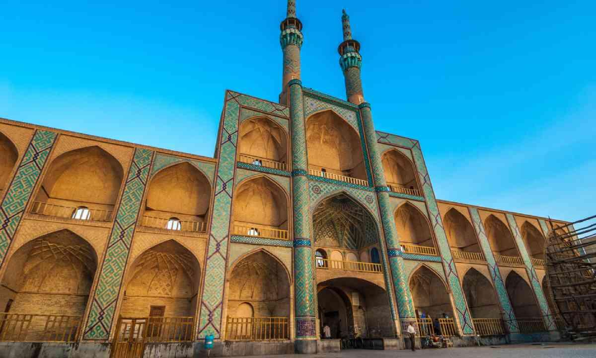 Amir Chakhmaq Complex in Yazd (Shutterstock)