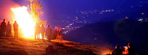 Mountain fire festival (Sonnwendfeuer/ Wildschoenau Tourismus)