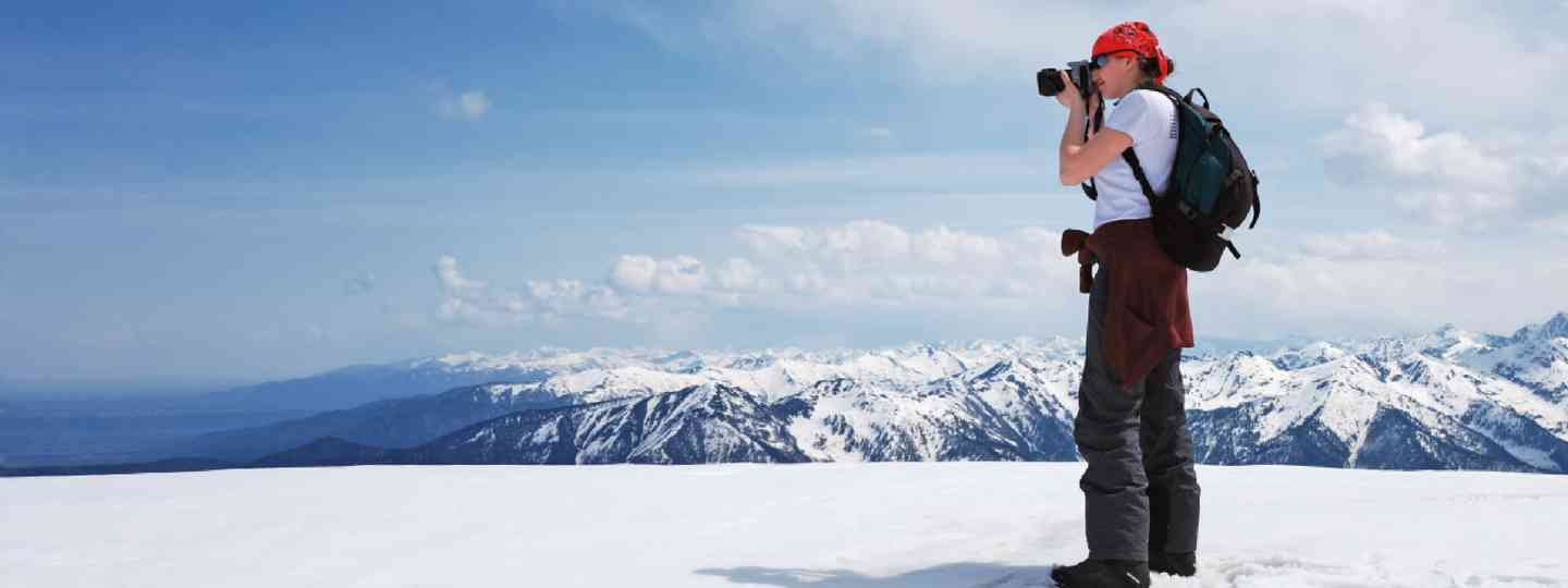 Snow photographer (Shutterstock)