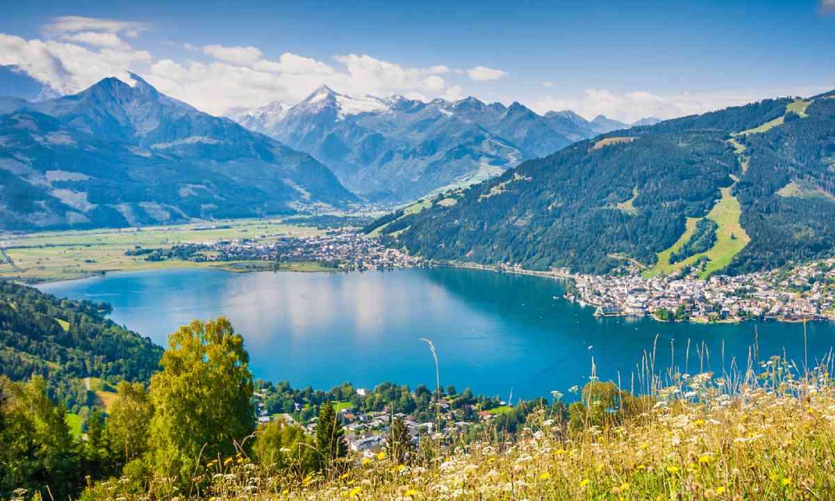 Lake Zell (Shutterstock)