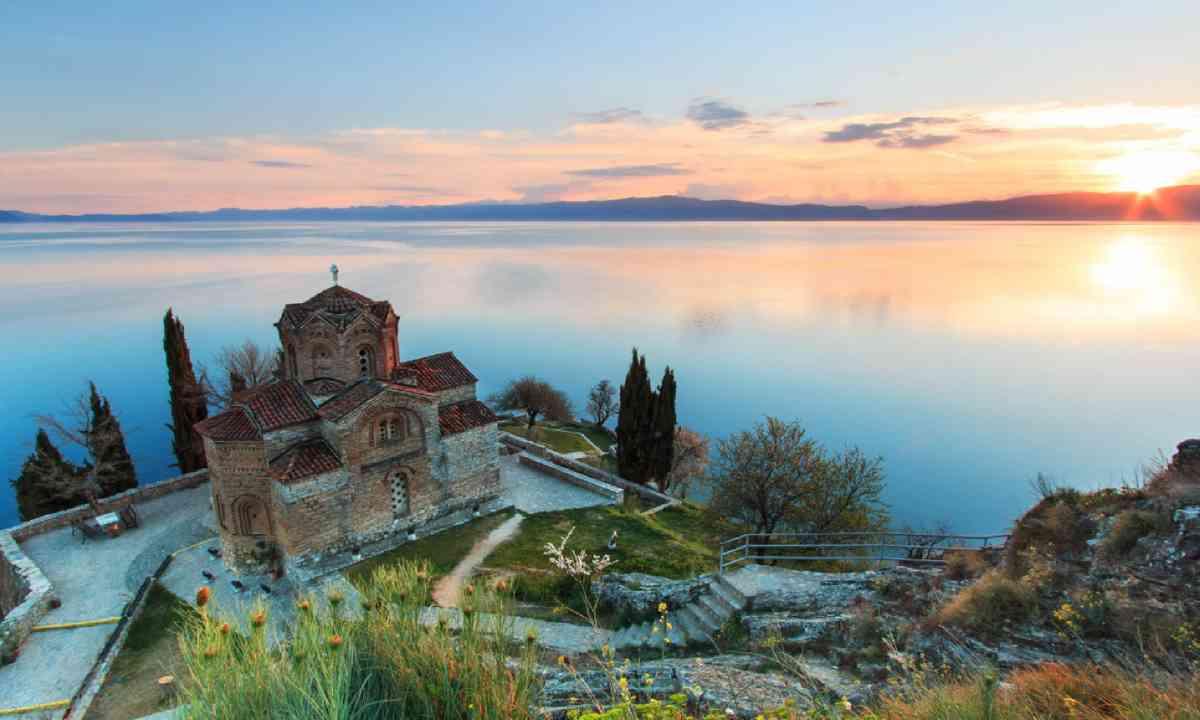 Sveti Jovan Kaneo Church on Ohrid Lake (Shutterstock)