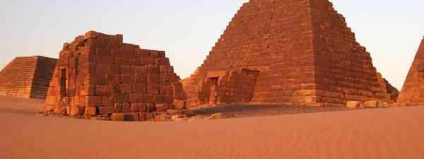 Chasing camels across Sudan (Dreamstime)