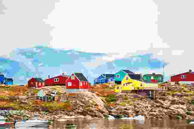 The brightly-coloured Saqqaq village in western Greenland (Shutterstock)