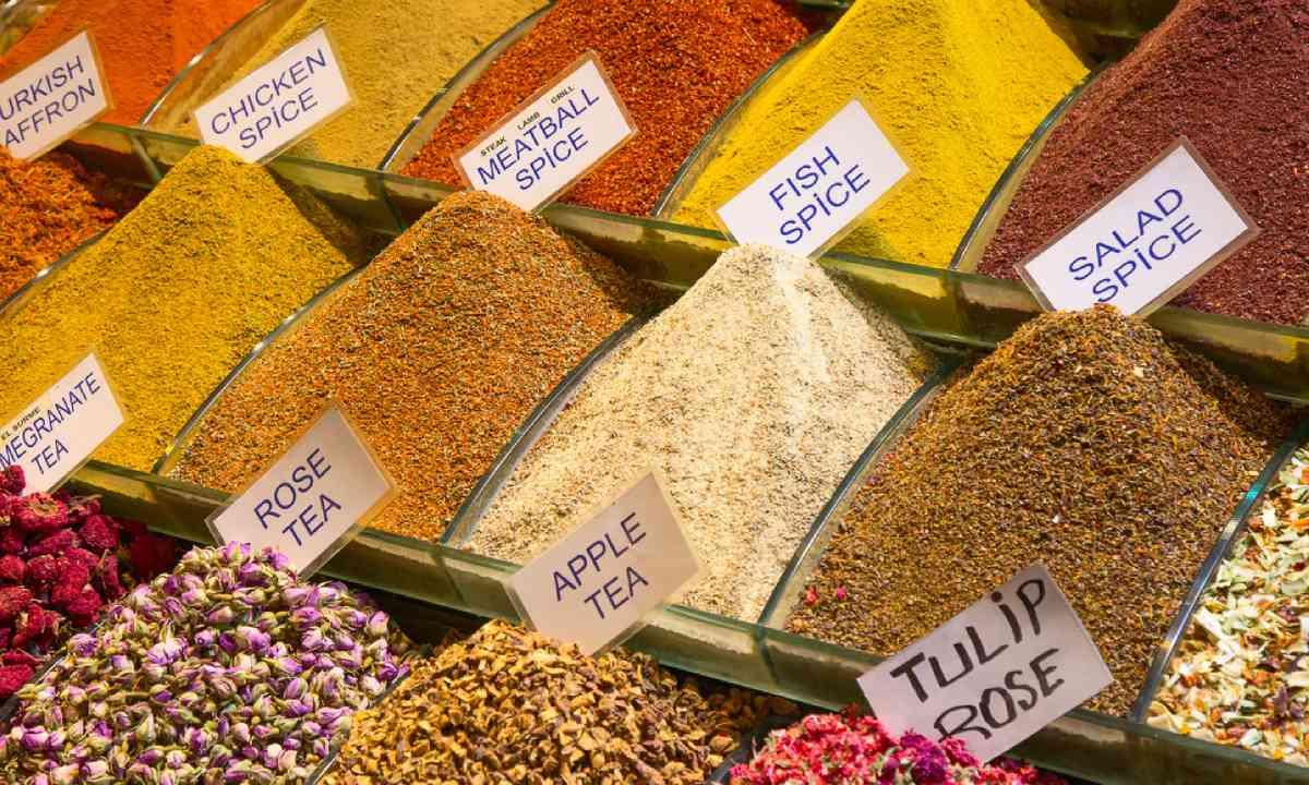 Spices in Dubai's Spice Souk (Shutterstock)