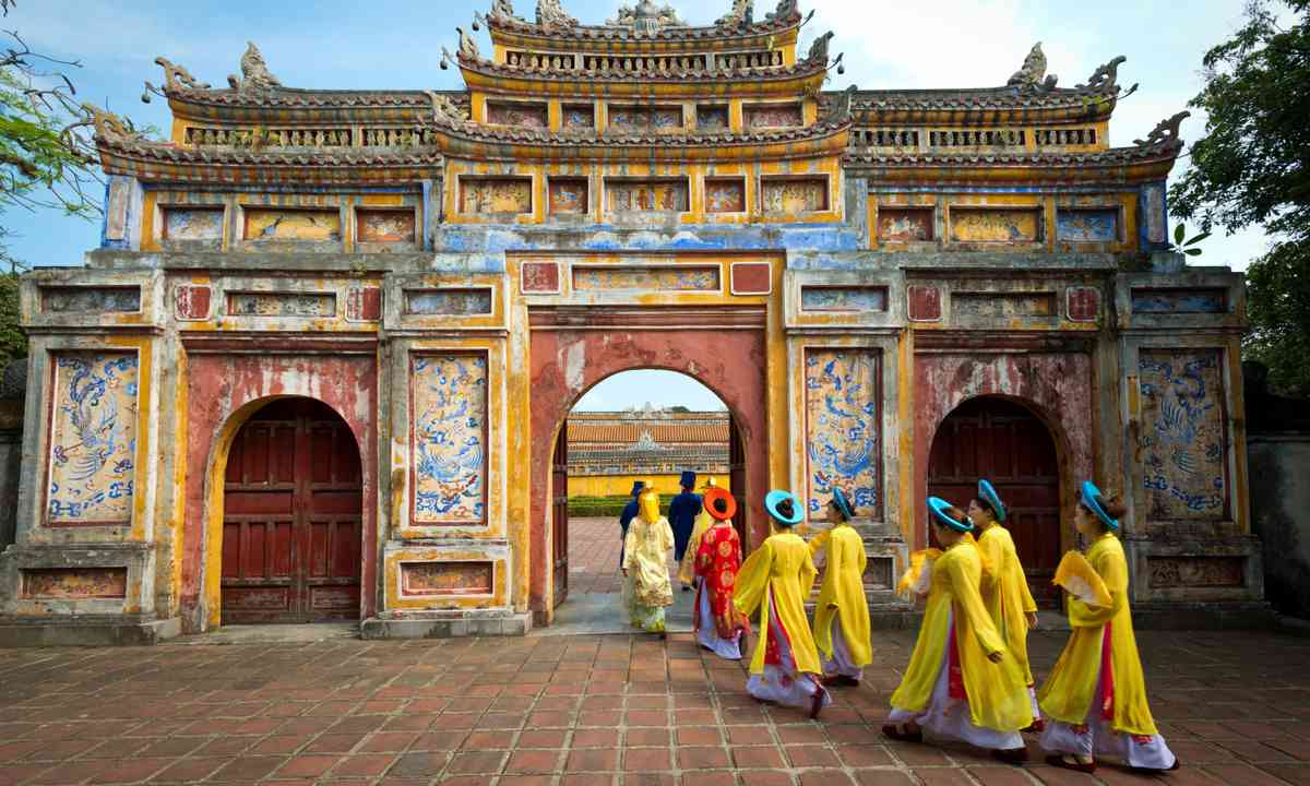 Entering the Imperial city, Hue (Shutterstock.com)