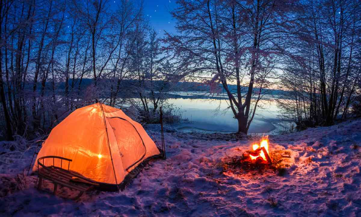 A mini camping adventure (Shutterstock)