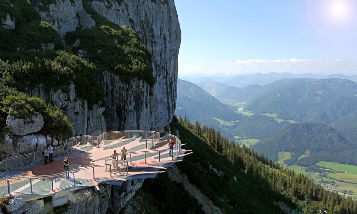 articles do look down 5 spectacular austrian viewpoints you can reach by cable car jpg?anchor=center&mode=crop&width=1200&height=0&rnd=131480680750000000.'