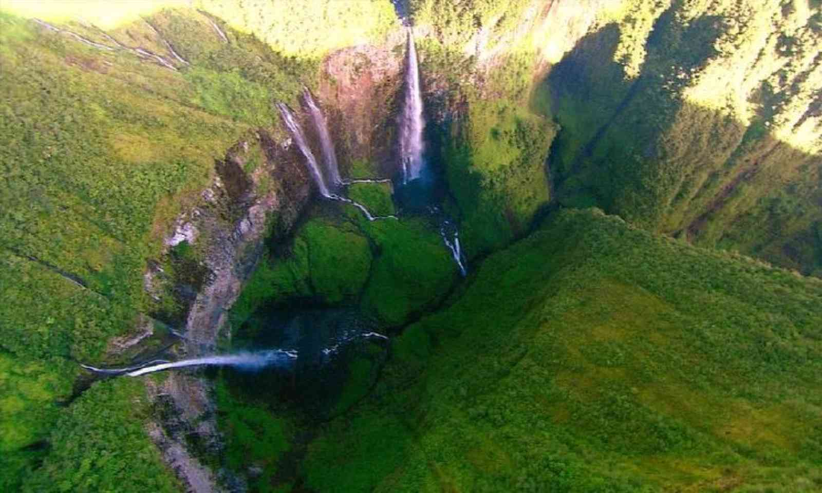 Trou de Fer from above (Creative Commons: Jennifer_greatoutdoors)