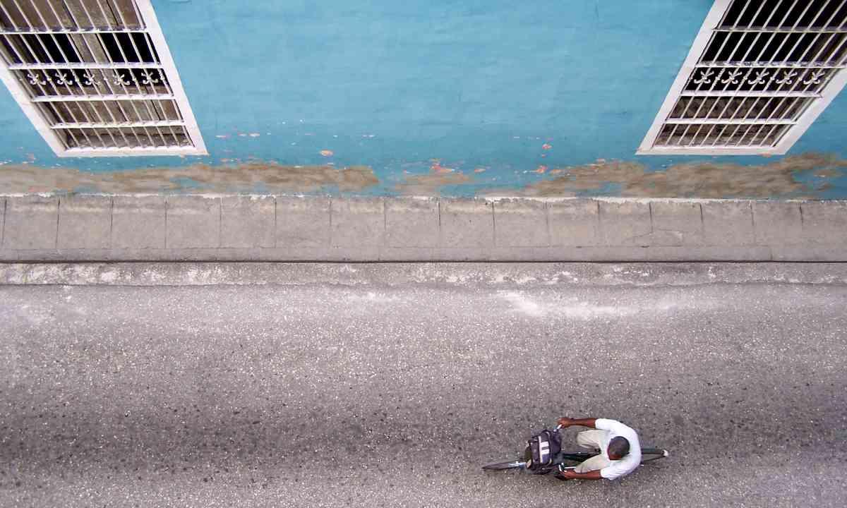 Cycling in Trinidad (Shutterstock.com)