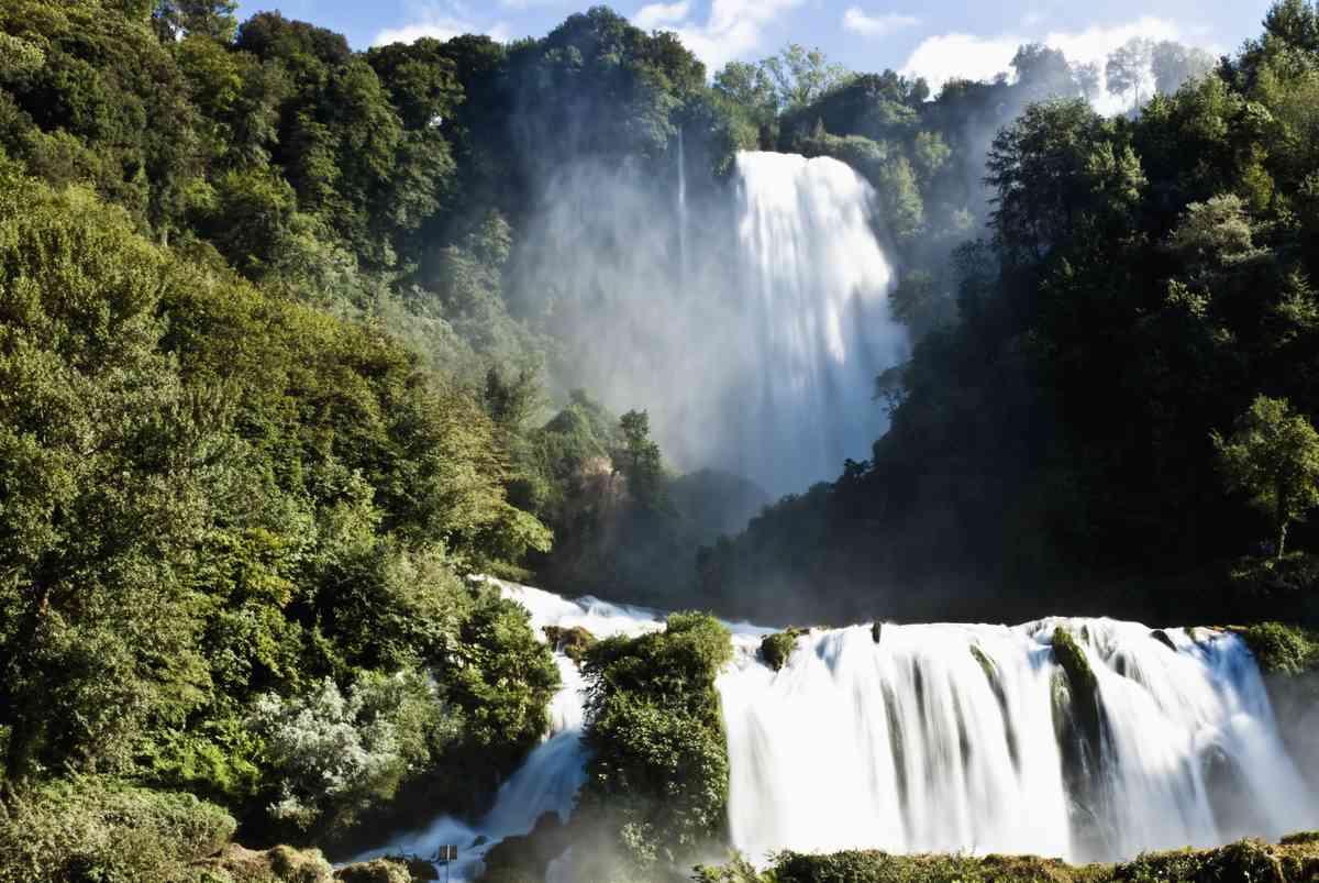 Marmore waterfall (Dreamstime)