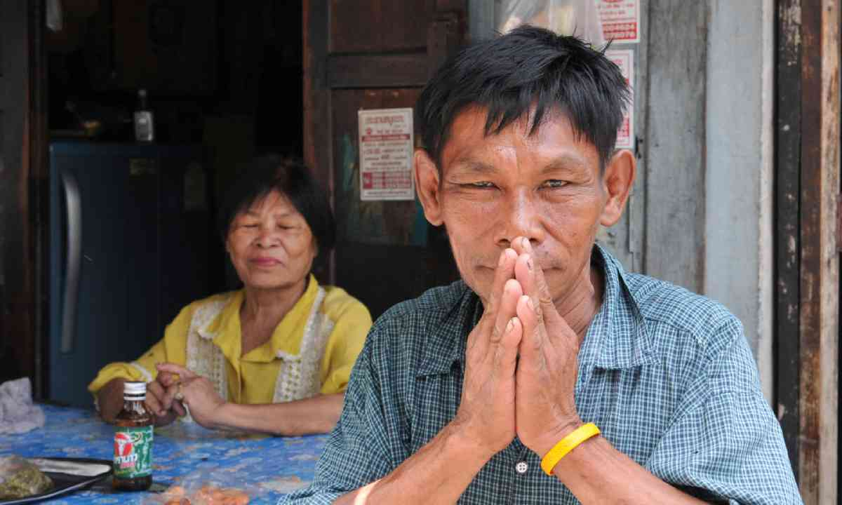 The wai is the traditional form of Thai greeting (Shutterstock)