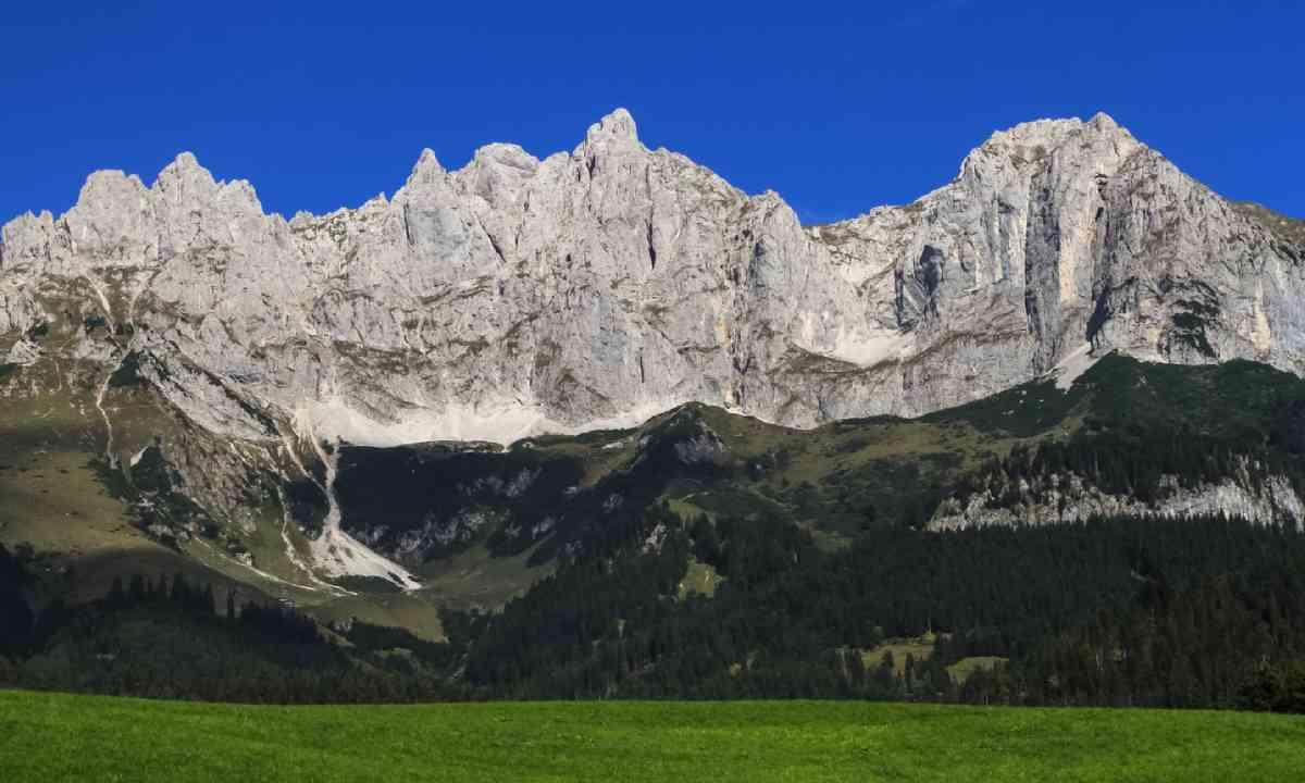 Kaiser Mountains (Shutterstock)