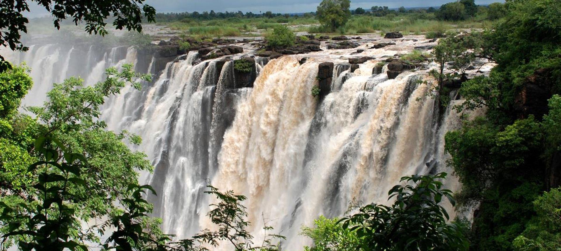 Gonarezhou National Chilojo Cliffs, Zimbabwe. (Clive Stockil)