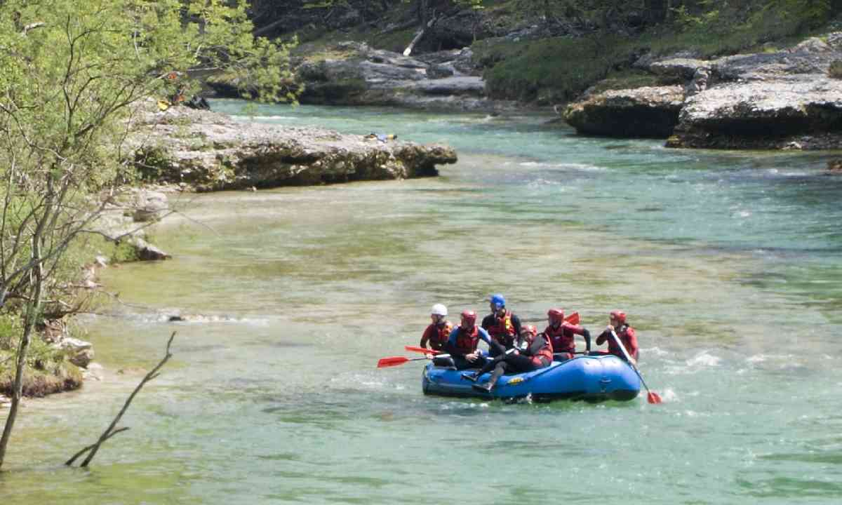 Rafting in Austria (Shutterstock)