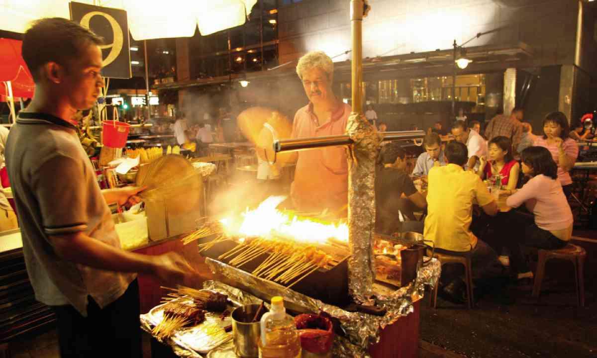 Nightime street snacks at Lau Pa Sat