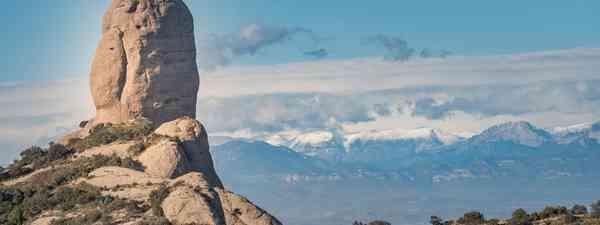 Montserrat, volcano hidden by cloud(Alan Taylor)