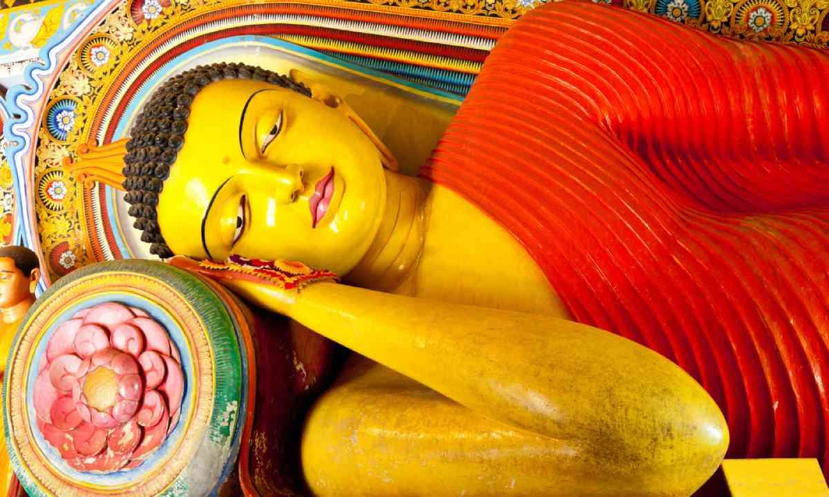 Buddha in Anuradhapura, Sri Lanka (Shutterstock)