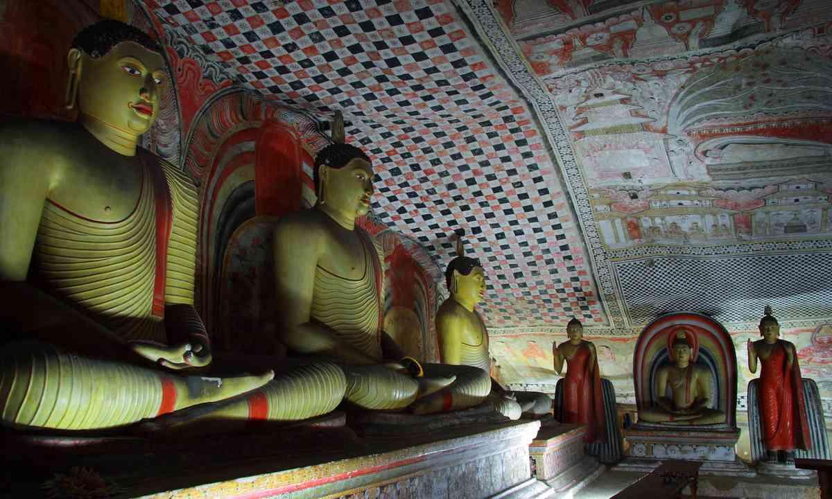 Dambula cave temple (Dreamstime)