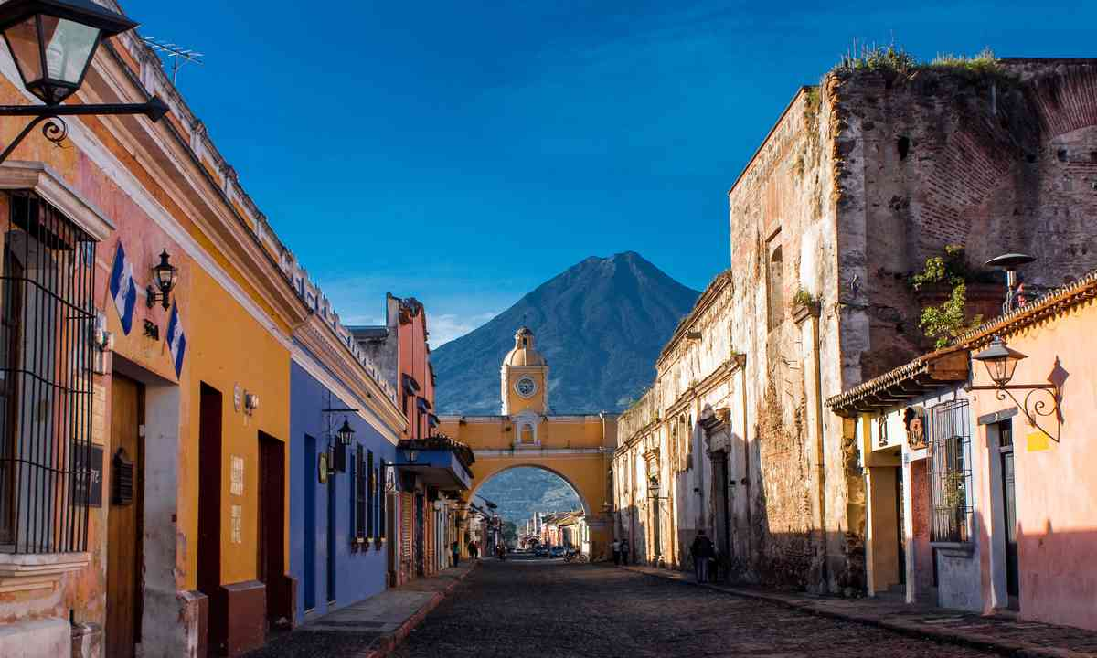 Antigua, Guatemala (Shutterstock.com)