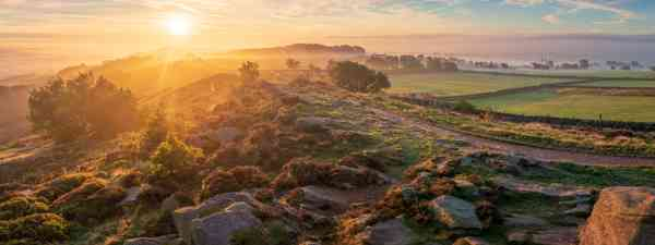 Sunrise in Otley, overlooking Wharfdale Valley (Shutterstock)