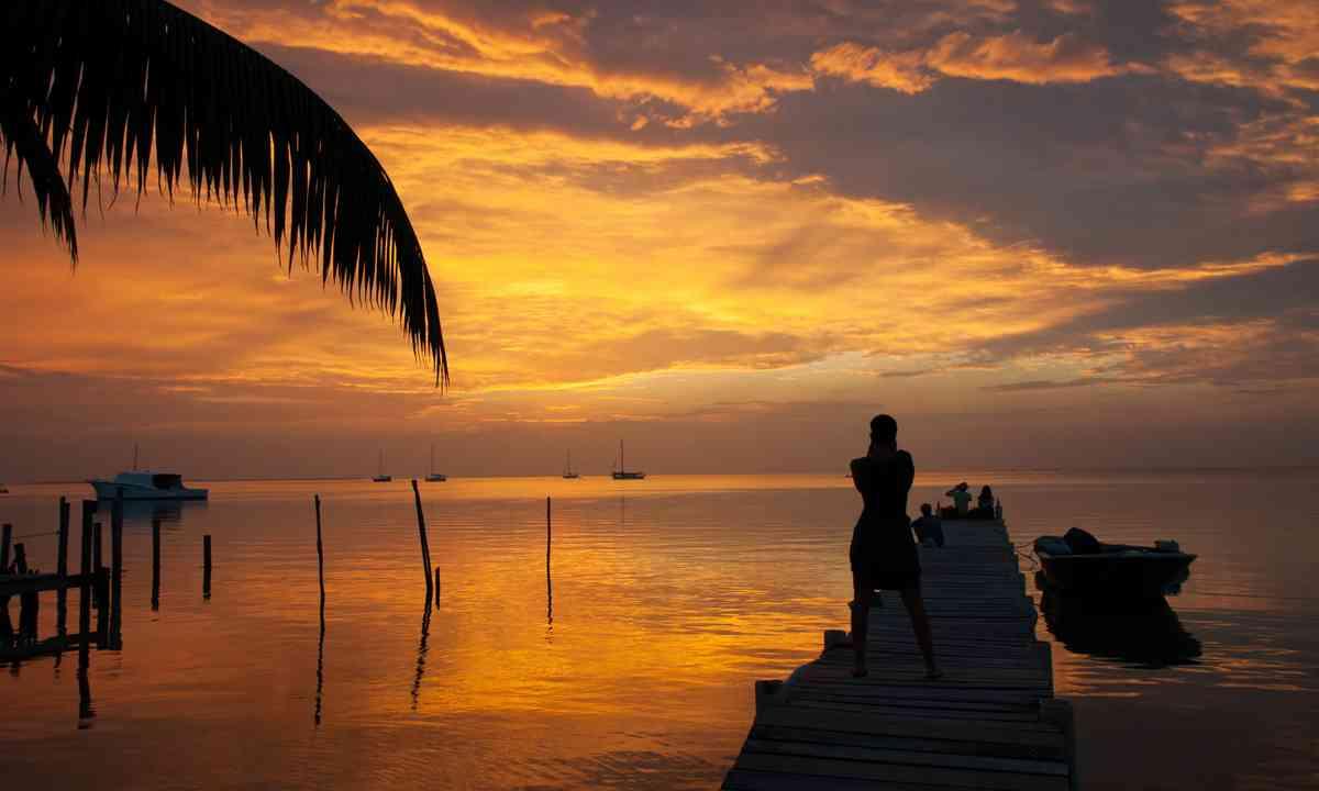 Sunset on Caye Caulker, Belize (Shutterstock.com)