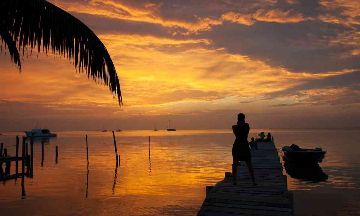 Sunset on Caye Caulker, Belize (Shutterstock.com)