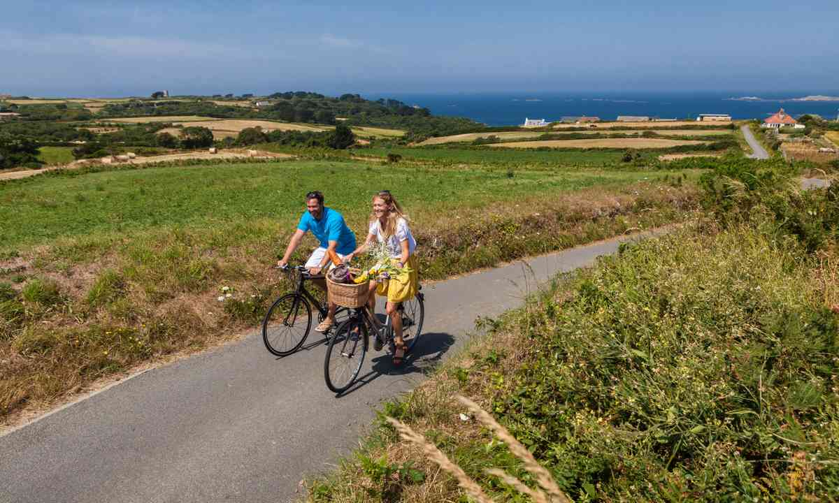 Cycling through the Guernsey countryside (VisitGuernsey.com)