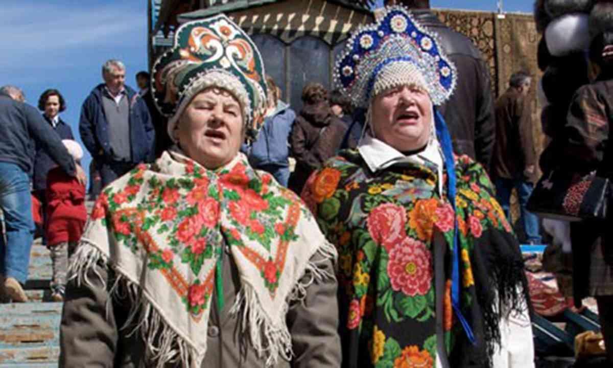 Russian babushkas (Peter Moore)