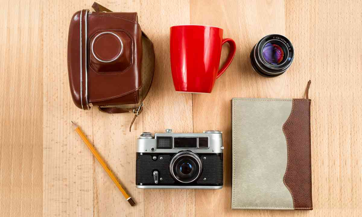 Retro journey tools (Shutterstock.com)